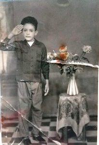 جمال في عدن قبل الاستقلال وعمره 13 سنة أثناء معاملته الهجزرة إلى أميركا